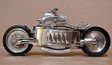 Motocicletas en miniatura o trabajo de relojero