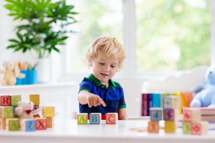 21 juegos de mesa educativos para que los niños aprendan a leer y escribir mientras se divierten