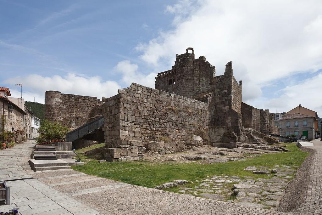 El castillo de los Condes de Sarmiento en Ribadavia