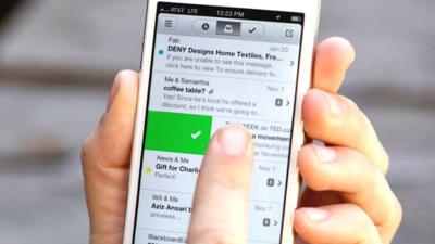 Tenía que pasar tarde o temprano: Dropbox adquiere el cliente de correo para iPhone Mailbox
