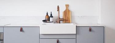 Más maneras de personalizar las cocinas de Ikea con frentes, fregaderos y tiradores de diseño escandinavo