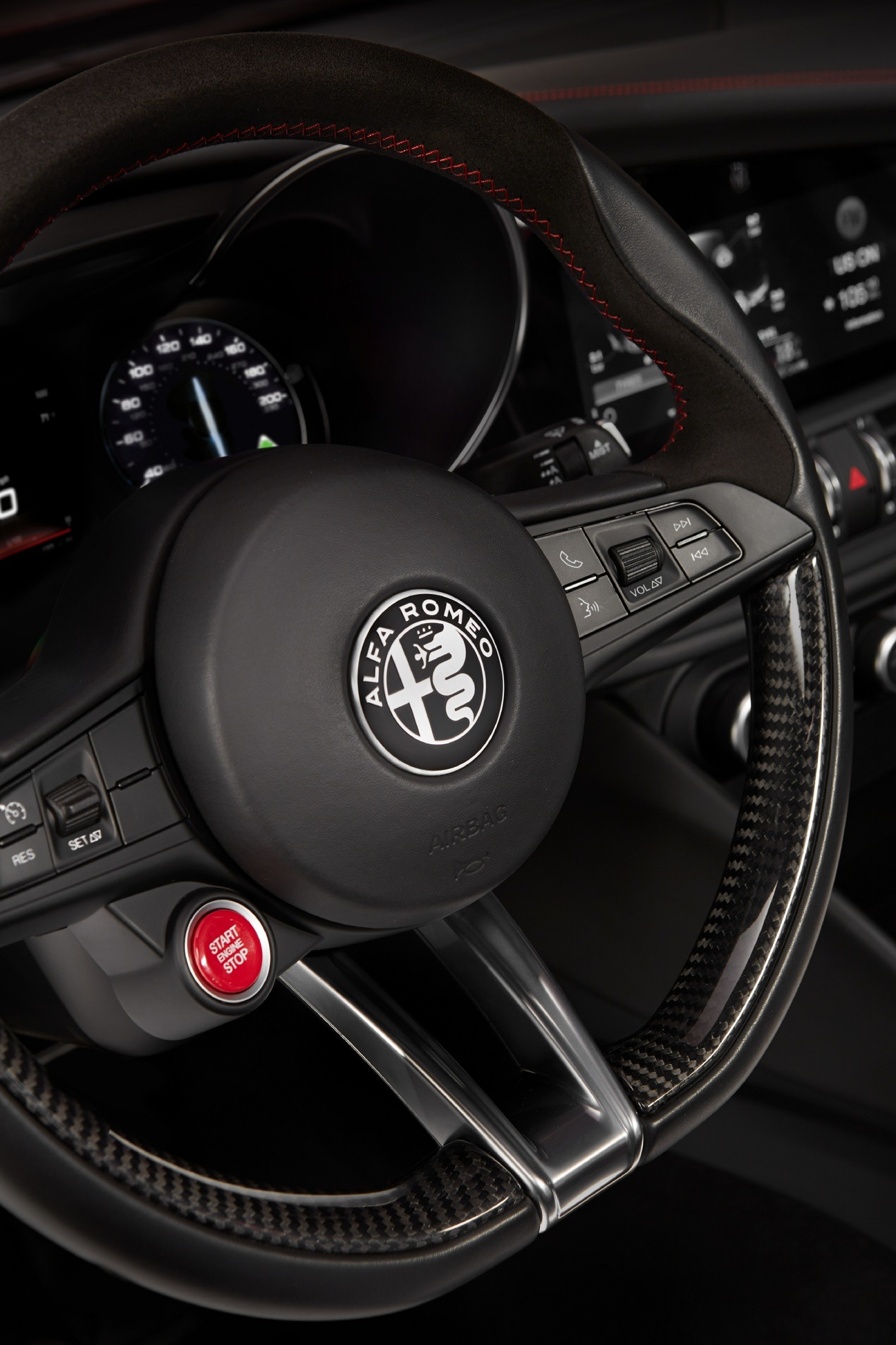 Foto de Alfa Romeo Giulia (7/14)