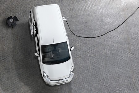 Citroen Berlingo EV carga
