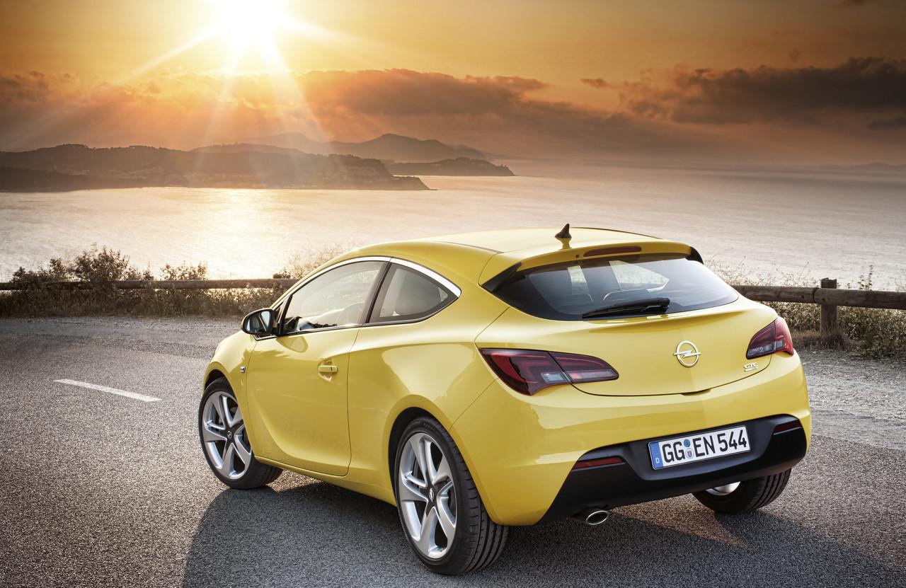 Foto de Opel Astra GTC (24/90)