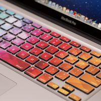 Los MacBook de 2018 podrían integrar un teclado con teclas personalizables vía E-Ink, según el WSJ