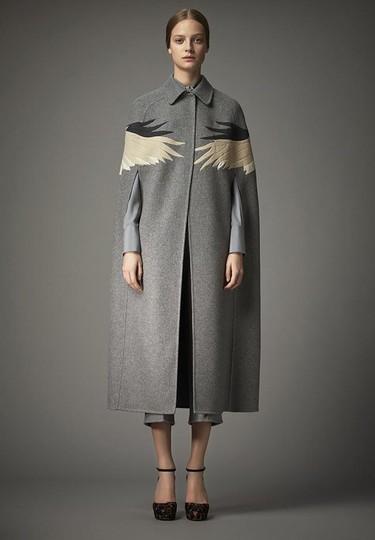¡Las carísimas prendas del otoño de Valentino ya están agotadas! ¿Dónde está la crisis?