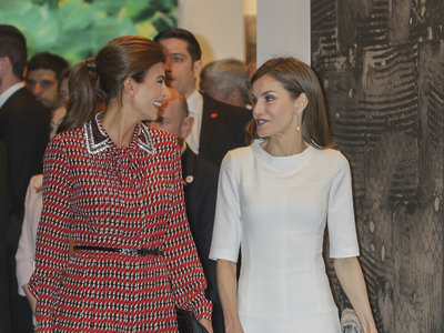 El duelo a la mejor mejor vestida entre Doña Letizia y Juliana Awada continua en ARCO