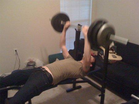 ¿Elevar la carga para comenzar un ejercicio por uno mismo o con ayuda?