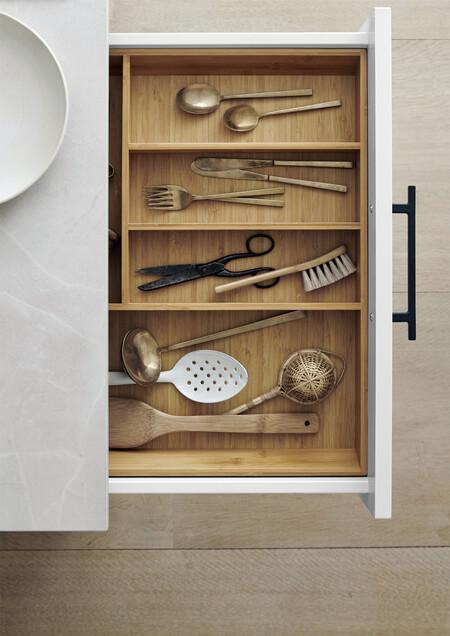 Veda White Detail04 Kitchen Kvik