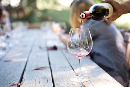 El primer vino que apoya en la prevención de contagios por COVID-19: Cubrebocas Para Todos