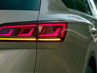 El Volkswagen Touareg 2019 se asoma en este completo vídeo teaser: más músculo y mucha tecnología