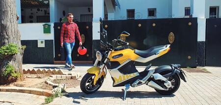 Cuatro beneficios de conducir una moto eléctrica en una gran ciudad