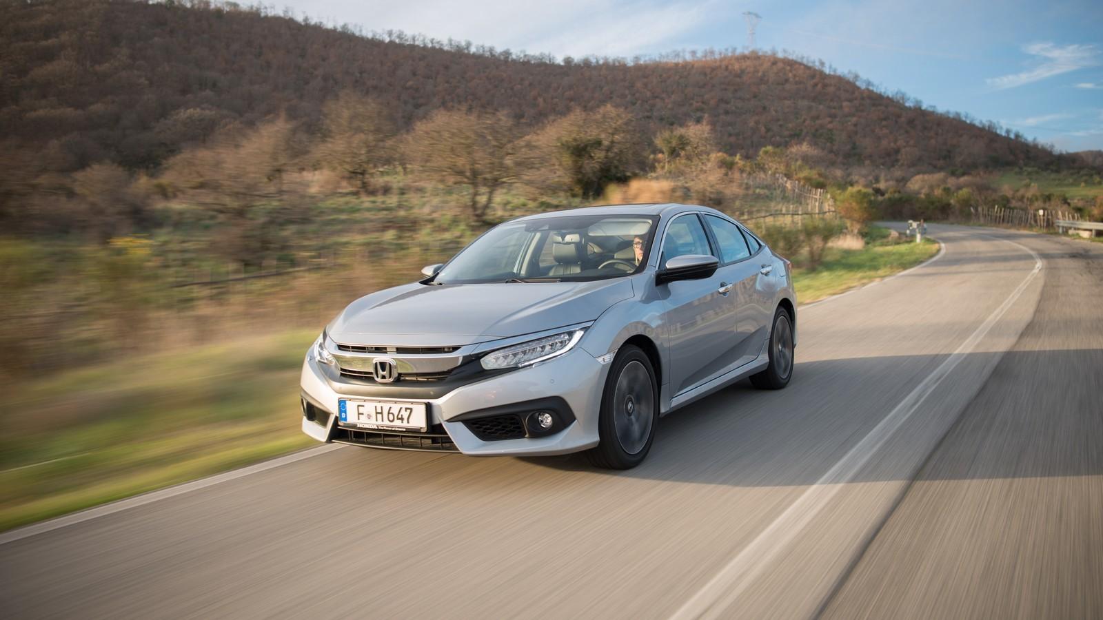 Foto de Honda Civic 4 puertas (28/37)