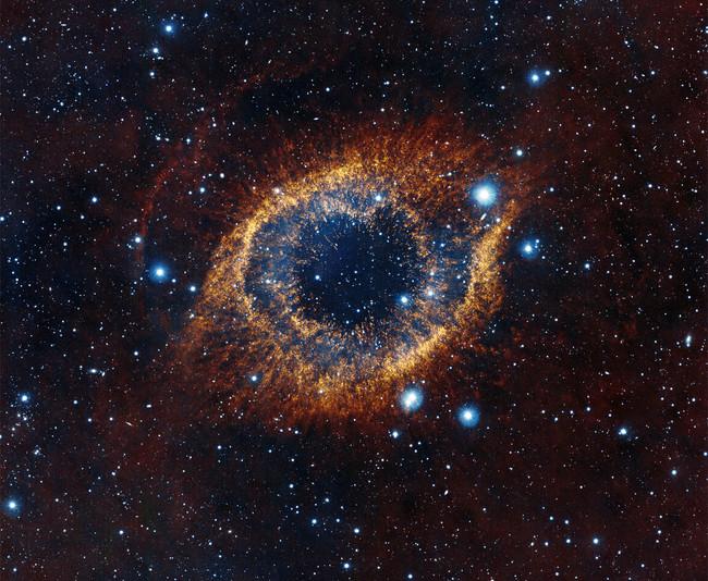 La nebulosa de la Hélice: 22 años de observaciones al ojo que nos observa a 650 años luz