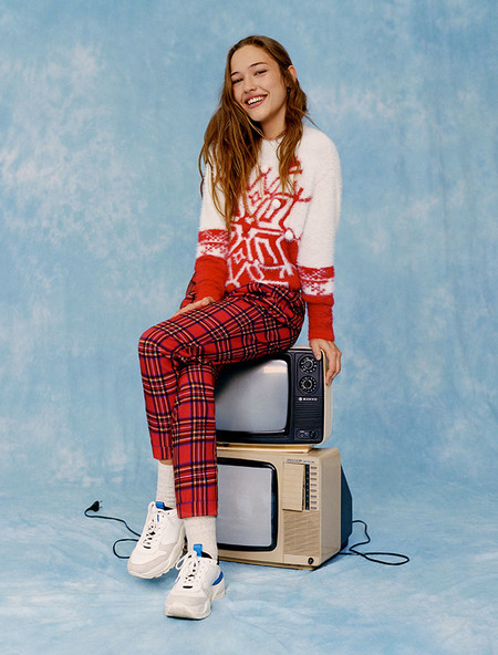 Pull And Bear Ugly Sweaters 02