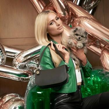 Odiada y amada a partes iguales, la estética de los 2000 regresa de la mano de Coach junto a Paris Hilton