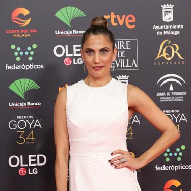 Toni Acosta se viste de novia con un fabuloso vestido blanco en los Goya 2020