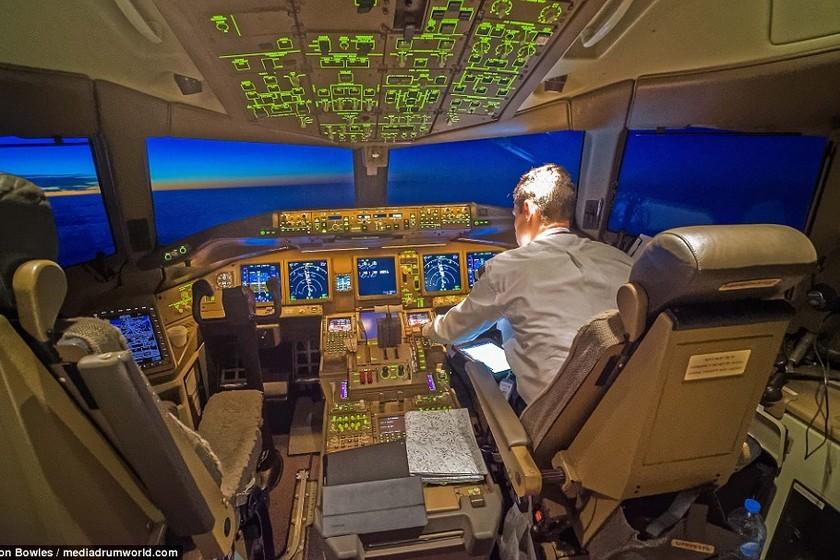 Así de espectaculares se ven las principales ciudades de noche desde un avión