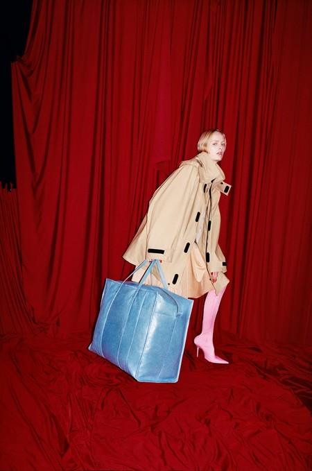 ¿Qué harías con 9.500 euros? Algunas fashionistas se lo gastan en el nuevo bolso de Balenciaga