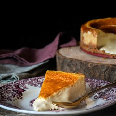 La mejor tarta de queso de España es la del restaurante Kava Marbella y su chef, Fernando Alcalá, nos cuenta cómo hacerla