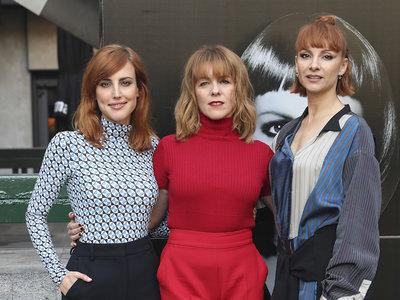 Natalia Molina, Najwa Nimri y Eva Llorach tres actrices con looks modernos en la rueda de prensa de la película 'Quién te cantará'