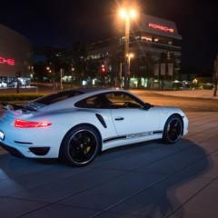 Foto 2 de 5 de la galería porsche-911-turbo-s-gb-edition en Motorpasión