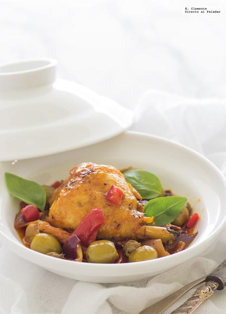 Pollo al estilo mediterráneo con aceitunas y alcaparras