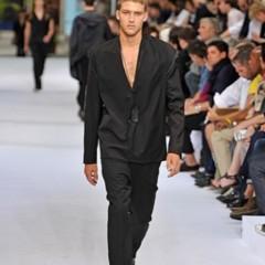 Foto 5 de 12 de la galería dior-homme-primavera-verano-2010-en-la-semana-de-la-moda-de-paris en Trendencias Hombre