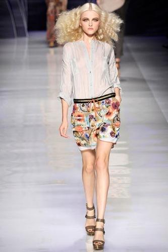 El estampado floral dominará la Primavera-Verano 2010: vestidos para tomar nota, Etro
