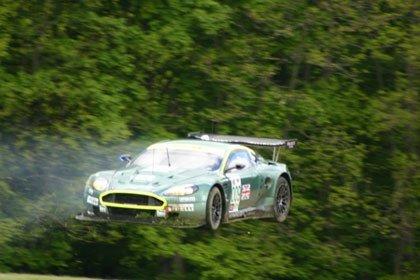 El vuelo del Aston Martin DBR9