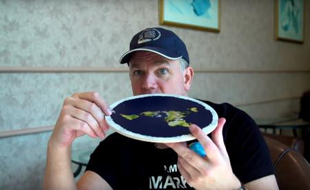 El terraplanismo está más vivo que nunca. Y en gran medida es gracias a YouTube