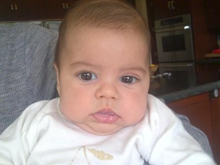 Shakira, nunca digas de este agua no beberé y no enseñaré mil fotos de mi hijo