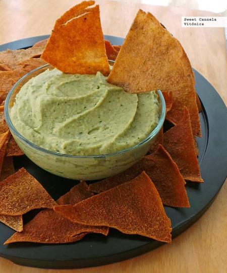 Hummus – Guacamole con pitas crujientes horneadas. Receta Saludable