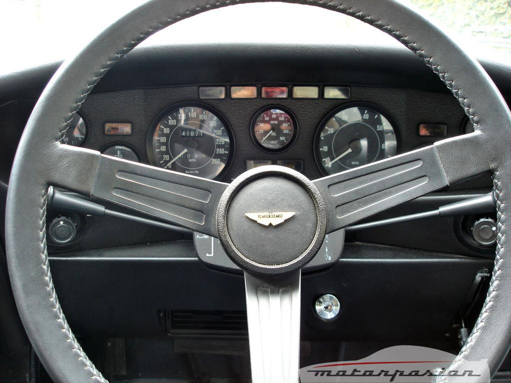 Foto de Aston Martin V8 de 1977 (3/16)