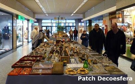Muchos curiosos se acercaron a la Feria Nacional de Antigüedades.