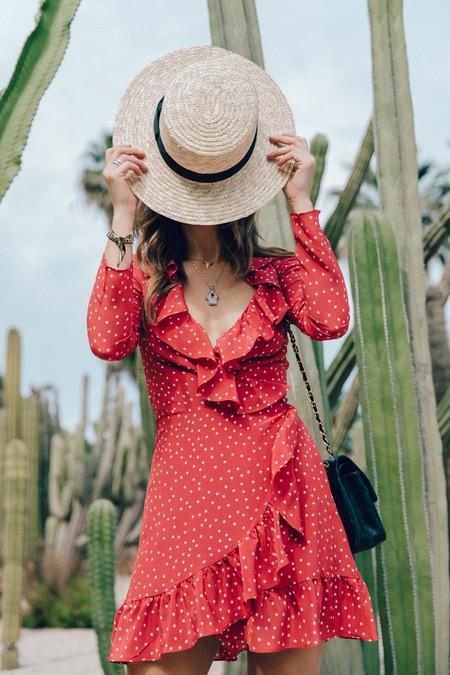 Zara mueve ficha y se inspira en el vestido sexista que triunfó el verano pasado