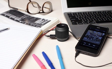 X-mini presenta dos altavoces portátiles diminutos para smartphones y tabletas