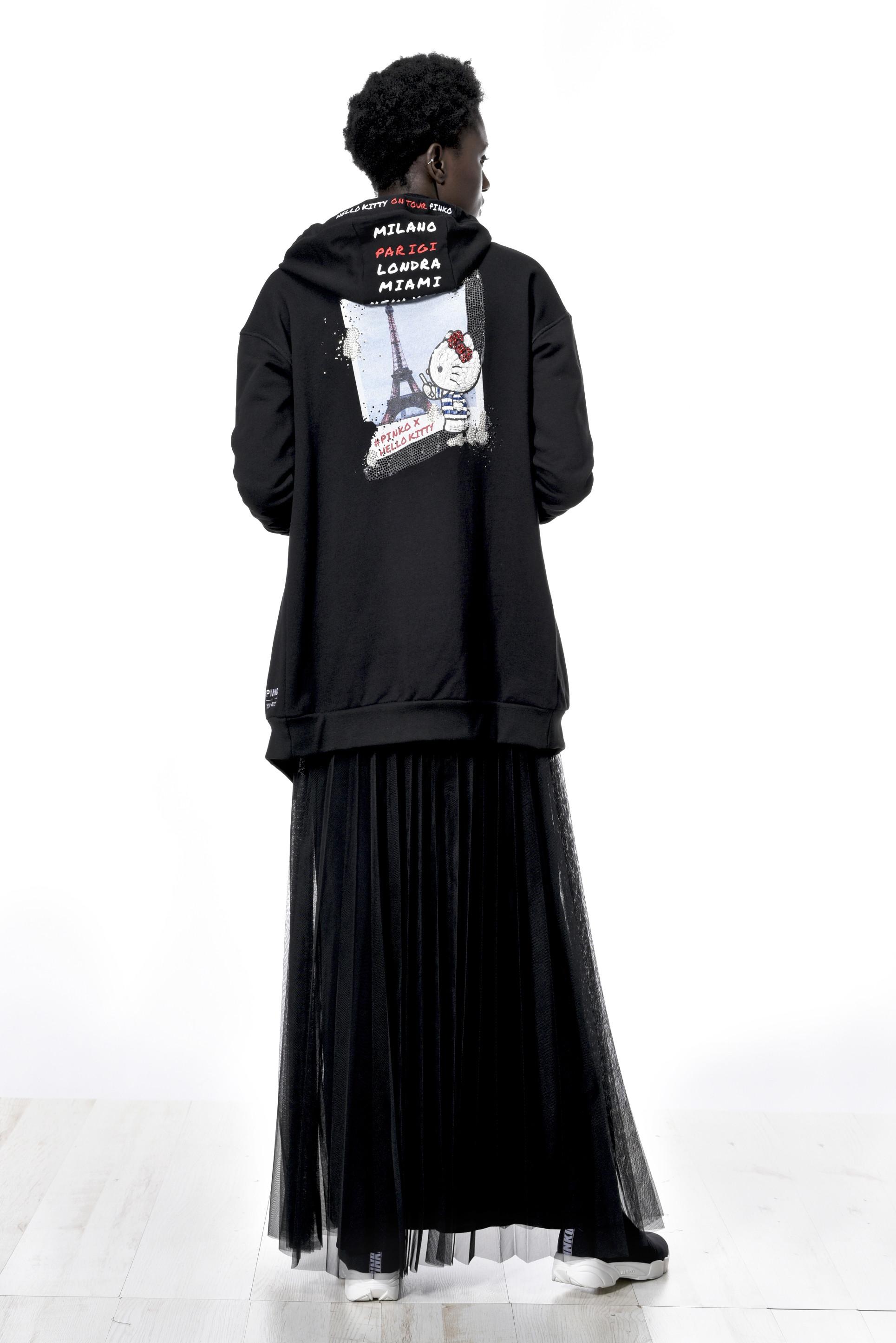 Foto de Hello Kitty es la protagonista de la última colección de Pinko (3/9)