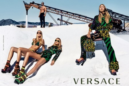 Gigi Hadid y Versace, una pareja de altura para la campaña Primavera-Verano 2016 de la firma