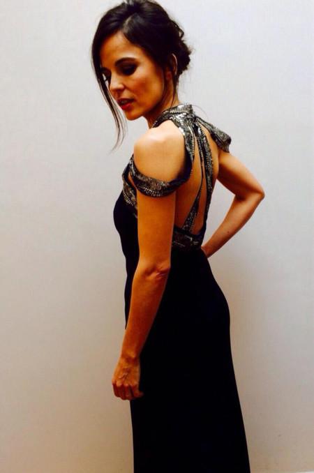 Elena Anaya brilla en los Oscar 2015 (la alfombra roja en un segundo plano)