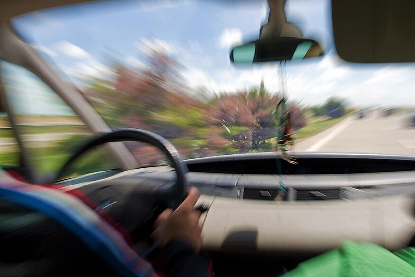 Le retiran de un plumazo 12 puntos del carnet de conducir por combo de infracciones, además de 1.400 euros en multas