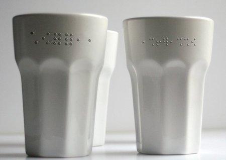 Tazas en braille