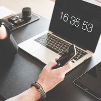 Ya escribimos casi tan rápido en los móviles como en los teclados de ordenador, según un nuevo estudio