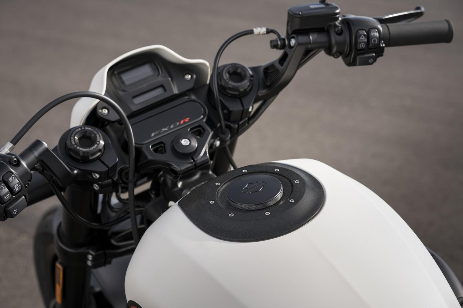 Foto de Harley-Davidson FXDR 114 2019 (9/9)