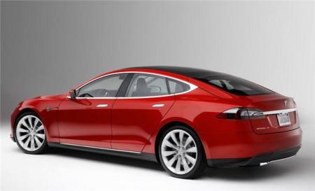Tu Tesla se vuelve mejor mientras duermes: vivan las actualizaciones OTA en coches