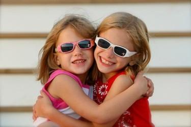 Protege a tus hijos del sol, y no solo cuando vamos a la playa o de excursión