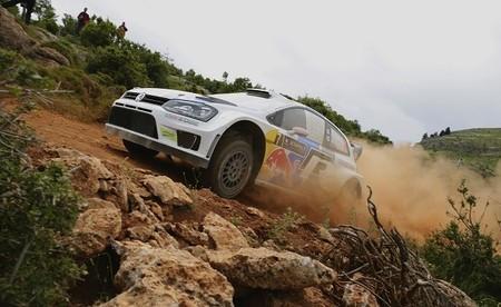 Rally Acrópolis 2013: Latvala sigue líder, carrera 'neutralizada'