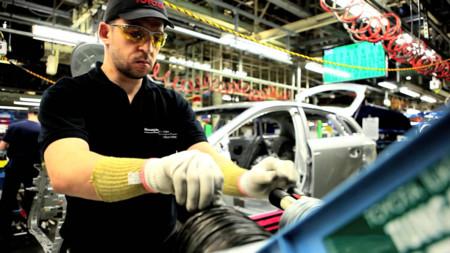 operario factoría Toyota UK