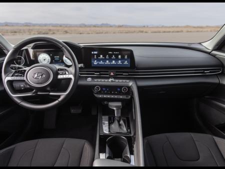 Hyundai Elantra 2022 5