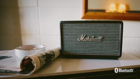 Escuchar música al más puro estilo años 50, es posible con este altavoz Marshall por 149,90 euros